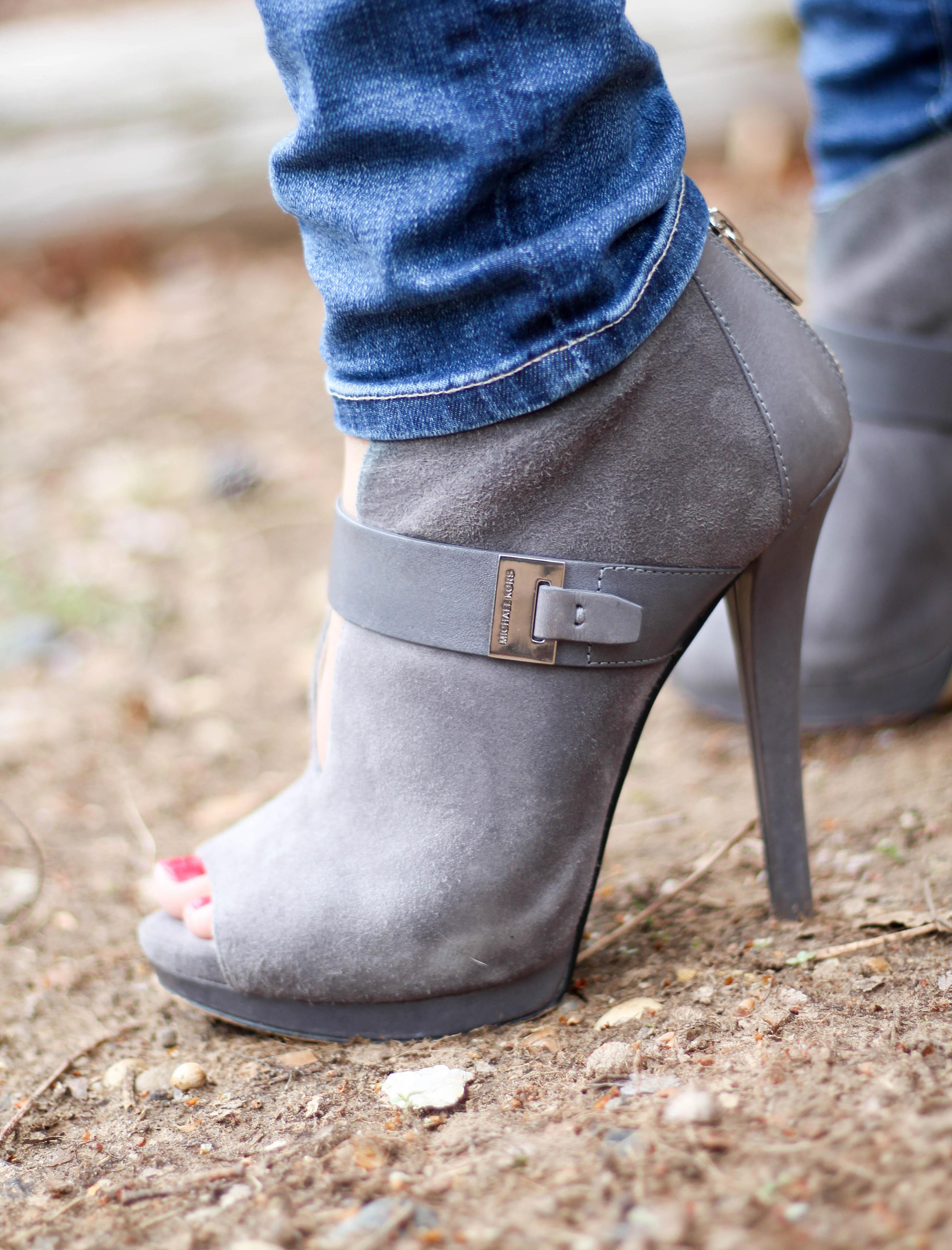 Black-Tunic.Grey-Booties-2