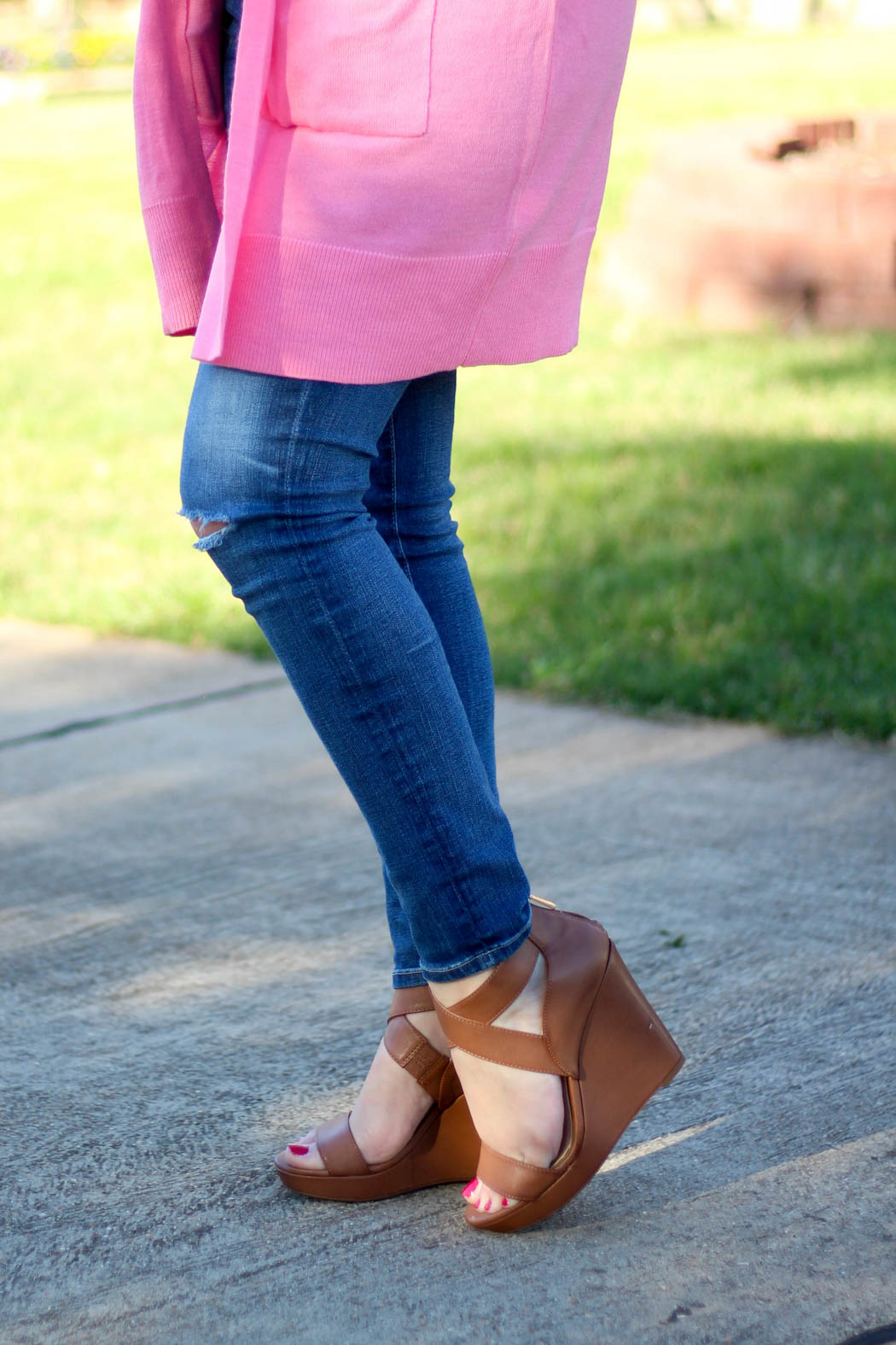 Pink-boyfriend-cardi-Luggage-wedges-8